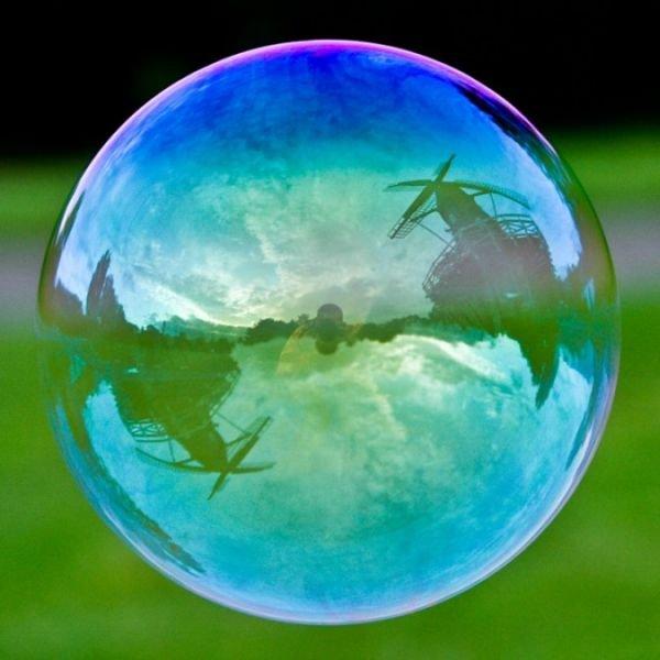 amazing-popular-landmarks-in-bubbles-7