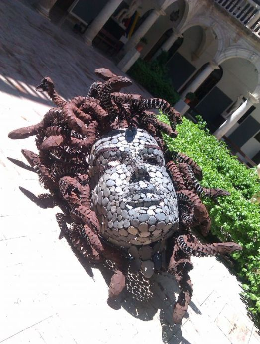 Medusa, head of love and hate