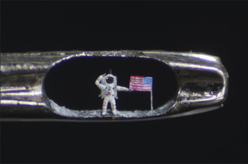 American_Astronaut_contemporary_sculpture_artist_Willard_Wigan-1