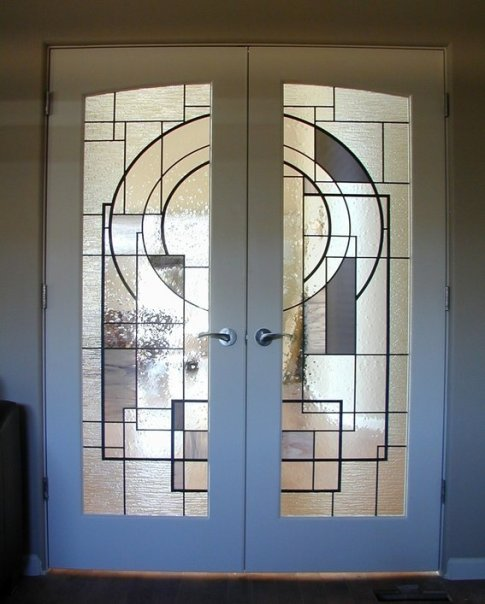 custom-stained-glass-in-french-doors--UDU2Ny0yMTE1ODMuNTIwMzA3