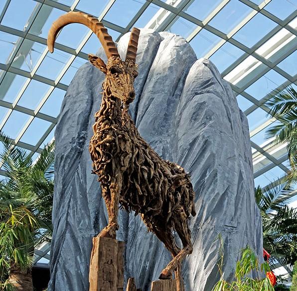 driftwood-animal-sculptures-jame-doran-webb-2