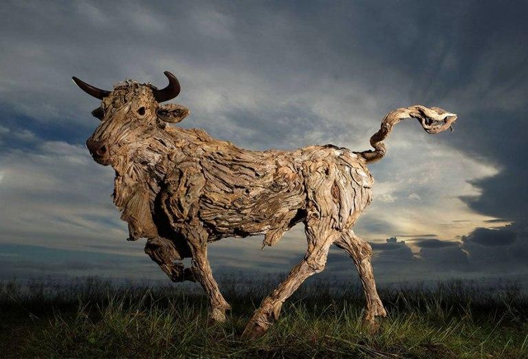 driftwood-animal-sculptures-jame-doran-webb-4