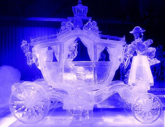 Beautiful-Ice-Sculptures-009-550x425