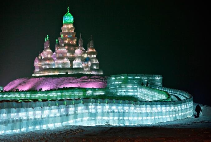 Wonderful-Creative-Ice-Sculptures-1