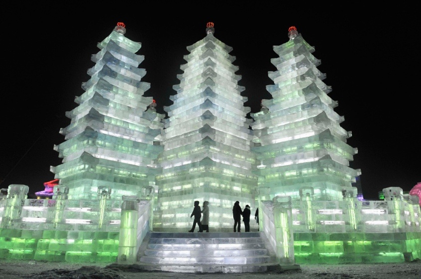 Wonderful-Creative-Ice-Sculptures-11 (1)