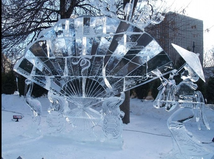 Wonderful-Creative-Ice-Sculptures-21