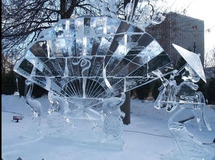 Wonderful-Creative-Ice-Sculptures-21