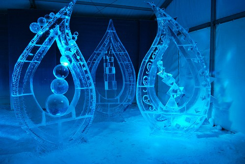 Wonderful-Creative-Ice-Sculptures-35