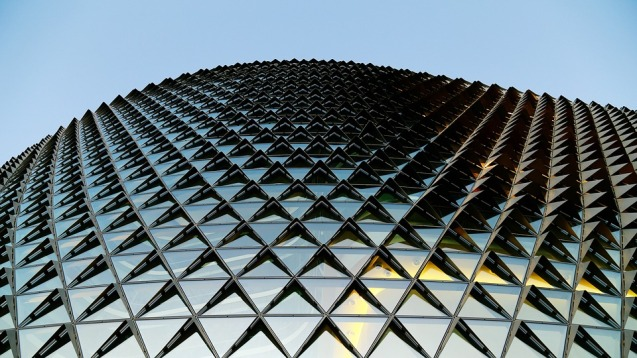 glass-building-1149726_960_720