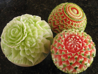 melon-carvings-food-art